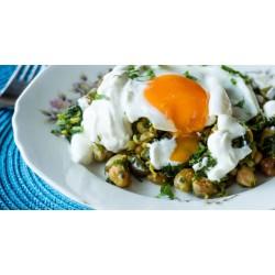Ρεβίθια με κάρυ και τηγανητό αυγό